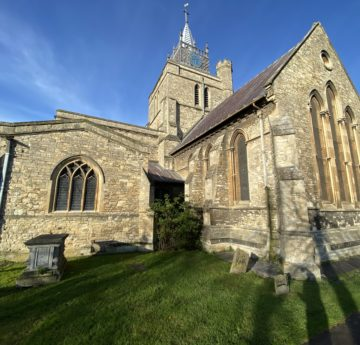 New Cross for Medieval Church St Mary in Aylesbury - Video 1
